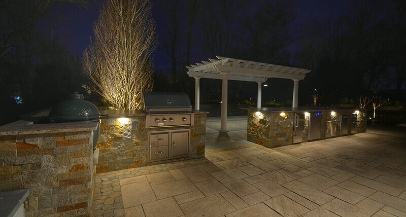 Outdoor-Kitchen-with-Lighting