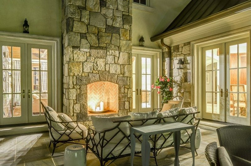 Outdoor Enternment Area with Fireplace and Dining Table