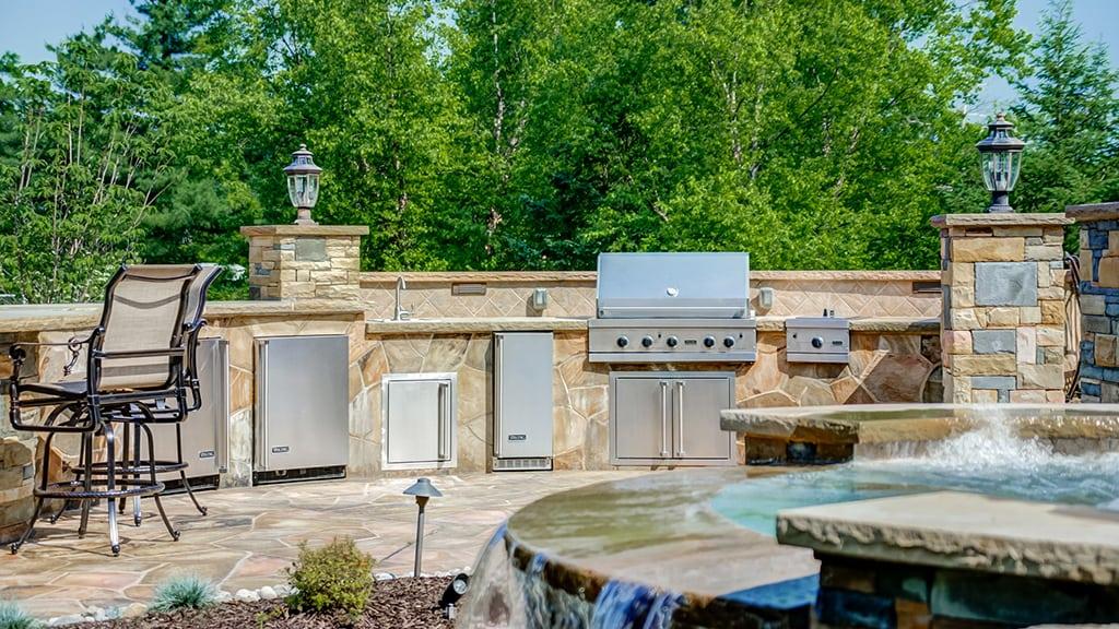Outdoor Kitchen Landscaper