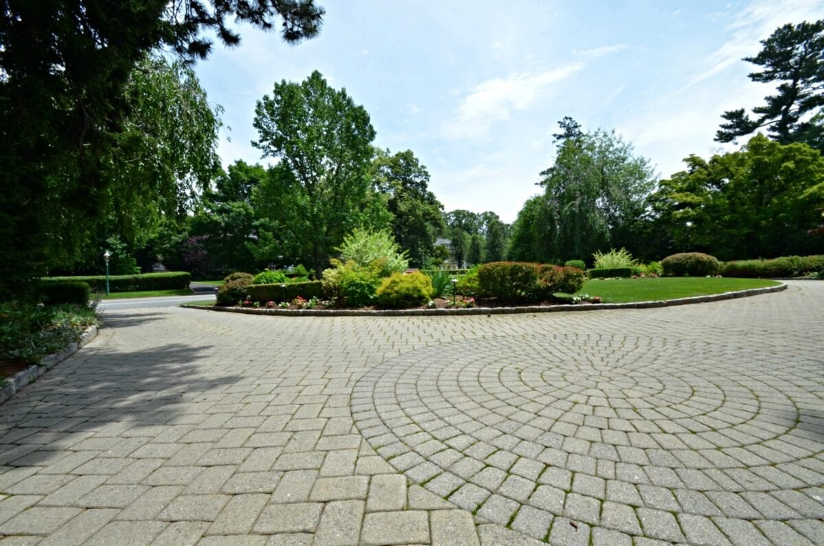 Beautiful Driveway with Belgium Block Curbing