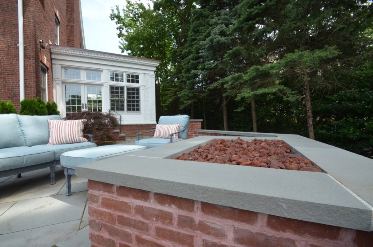 Custom Brick Firepit with Bluestone Capping