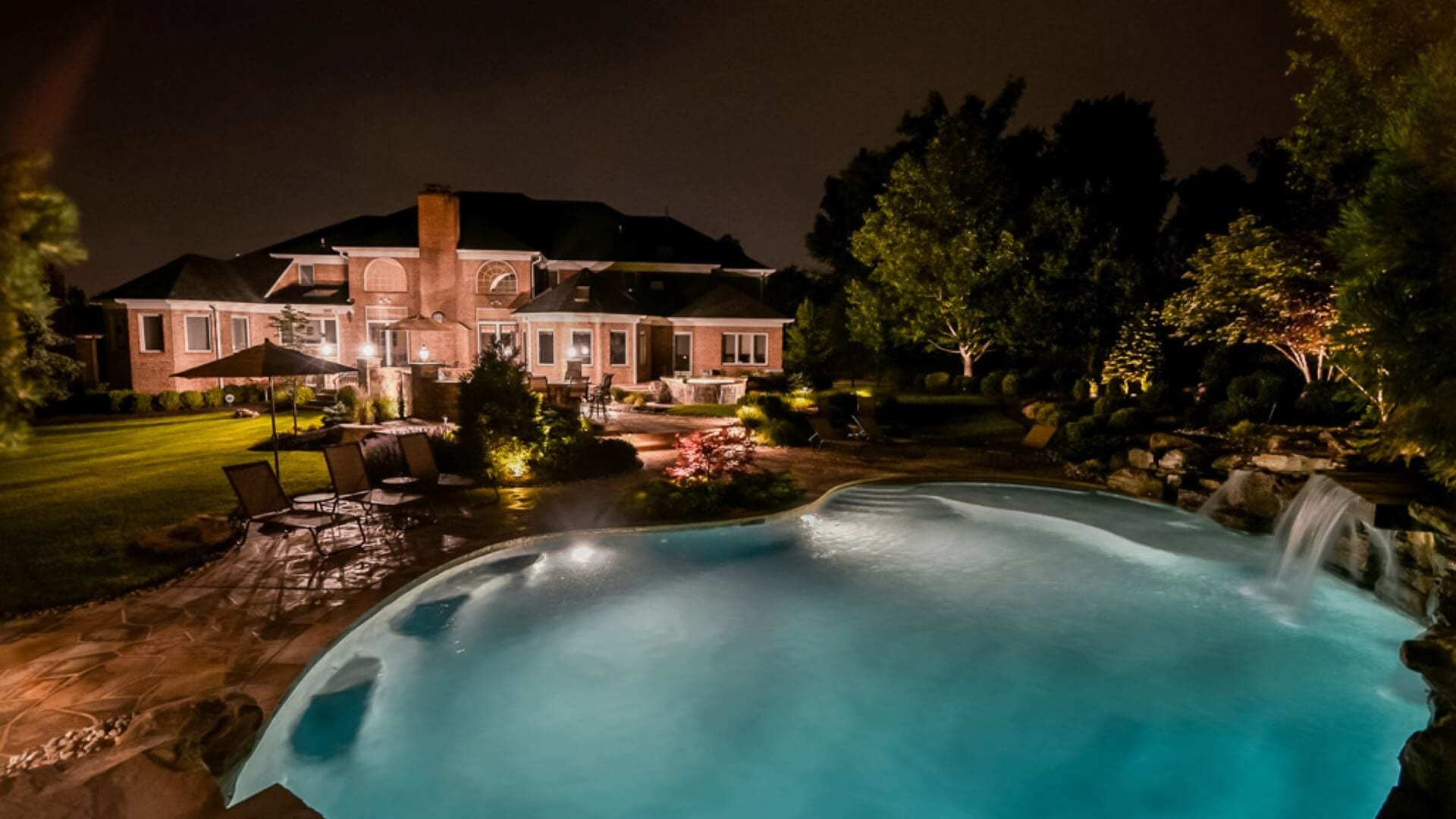 Outdoor Living Spaces with Landscape Lighting