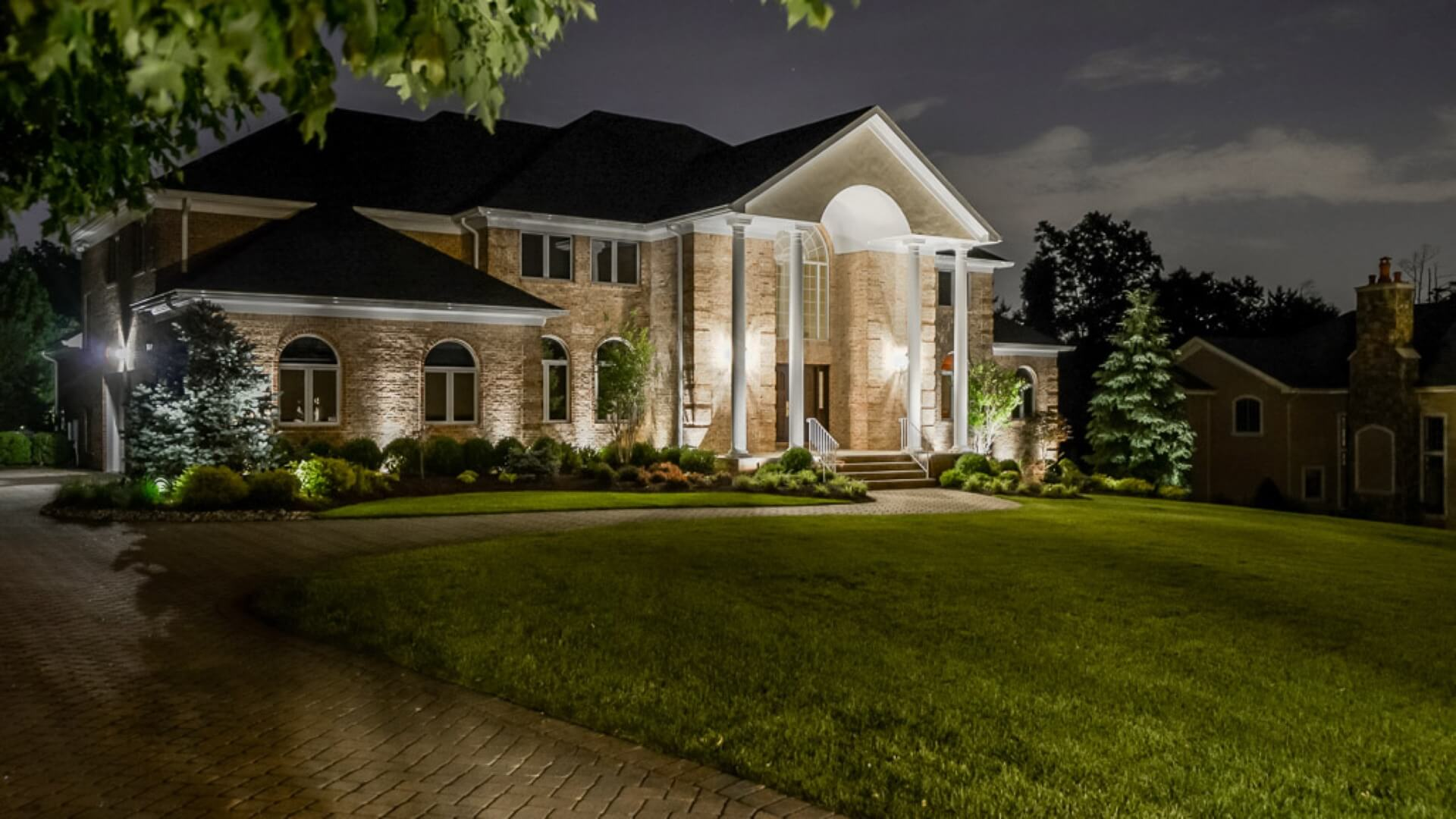 Low Voltage Outdoor Lighting on Home in N Caldwell NJ