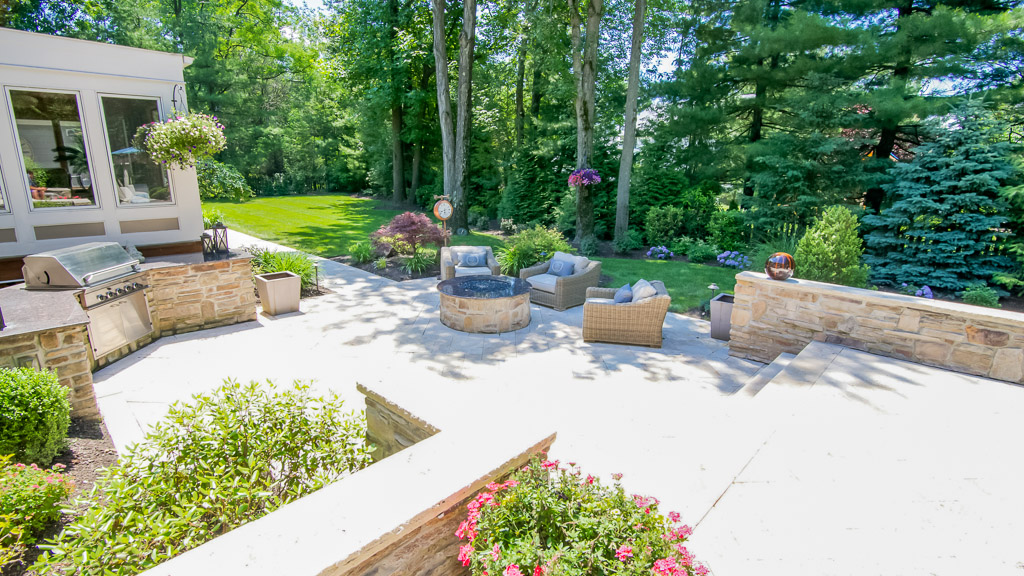 how do people afford landscaping, landscaping ideas on a budget, maximize your budget, simple steps, lawn, yard ideas, outdoor, curb appeal