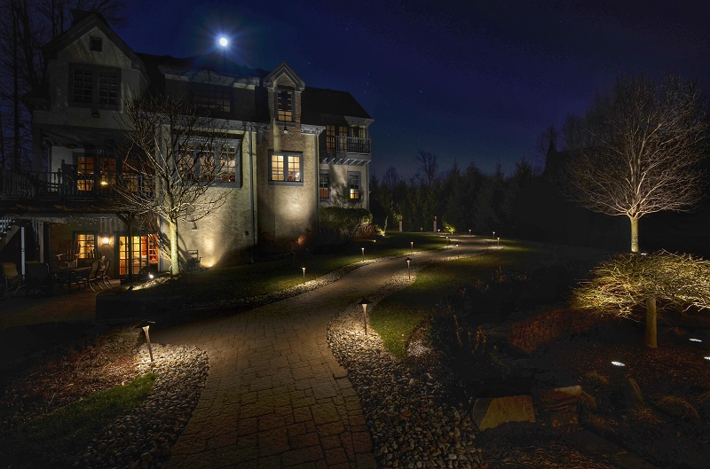 Low Voltage Lighting House - Sponzilli Landscape Group