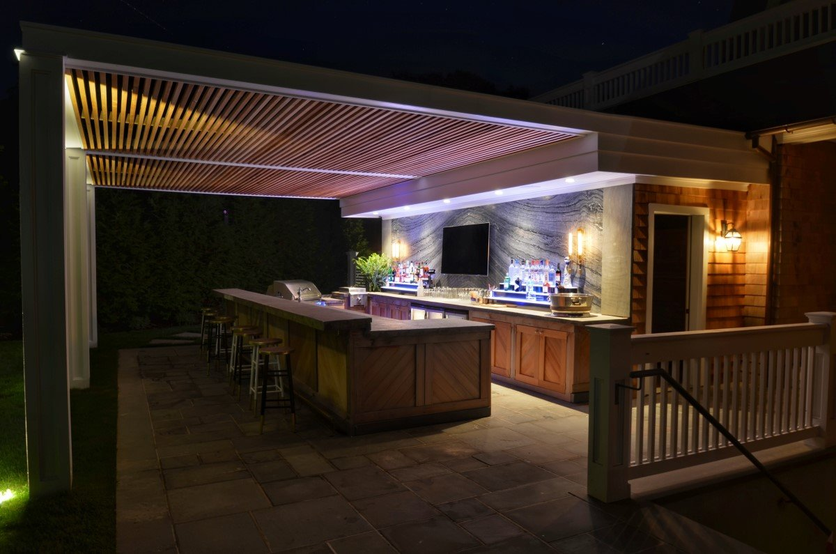 Unique Outdoor Kitchen and Bar