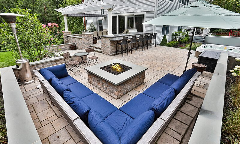 Outdoor living rooms are the hottest of landscaping trends in 2021