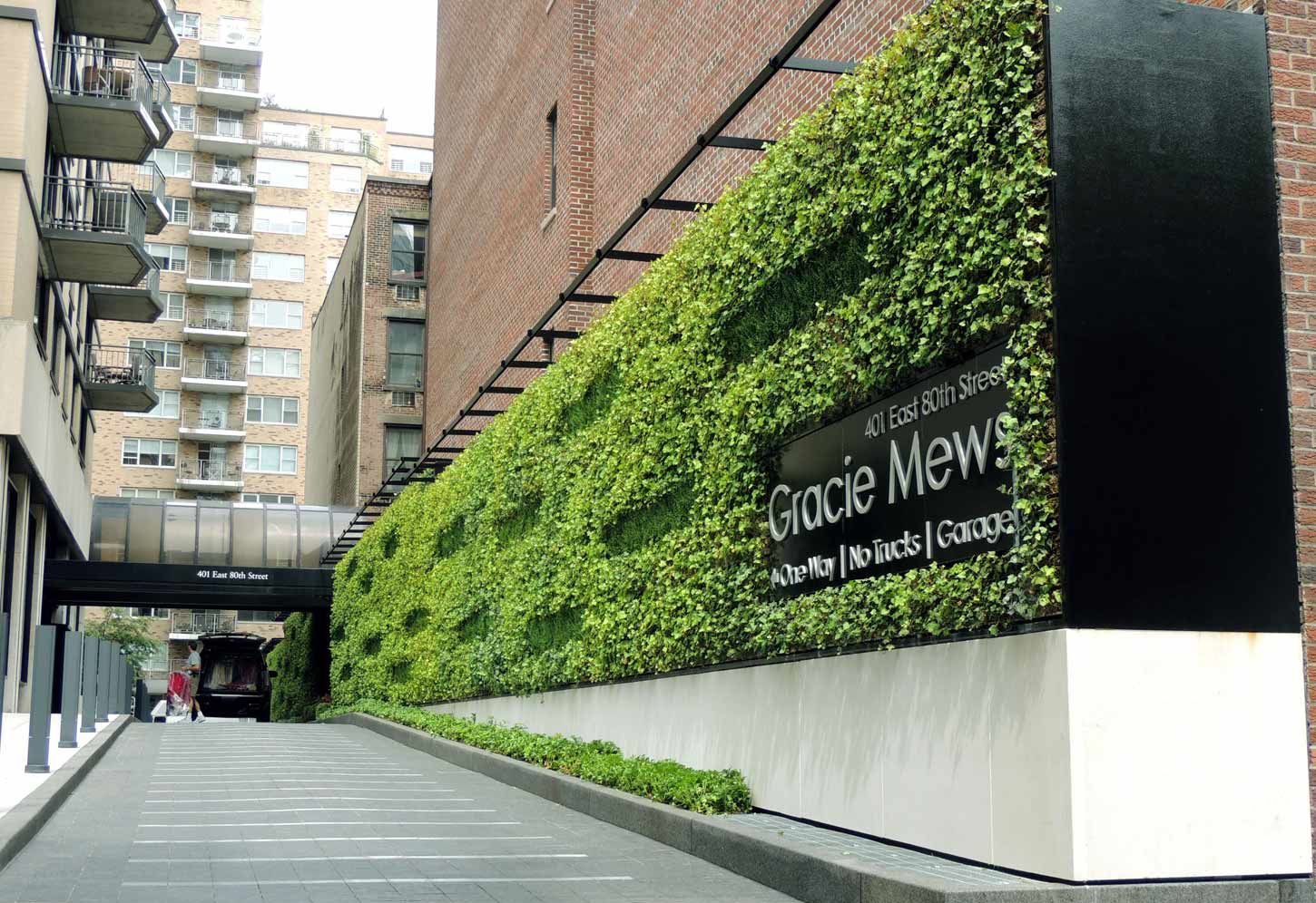 Gracie Mews Living Green Wall Sponzilli Landscape Group