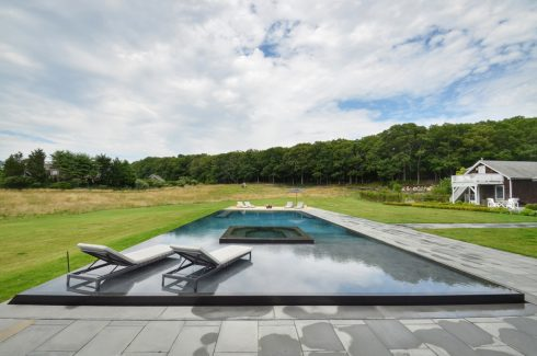 /Custom Gunite Mirror Pool