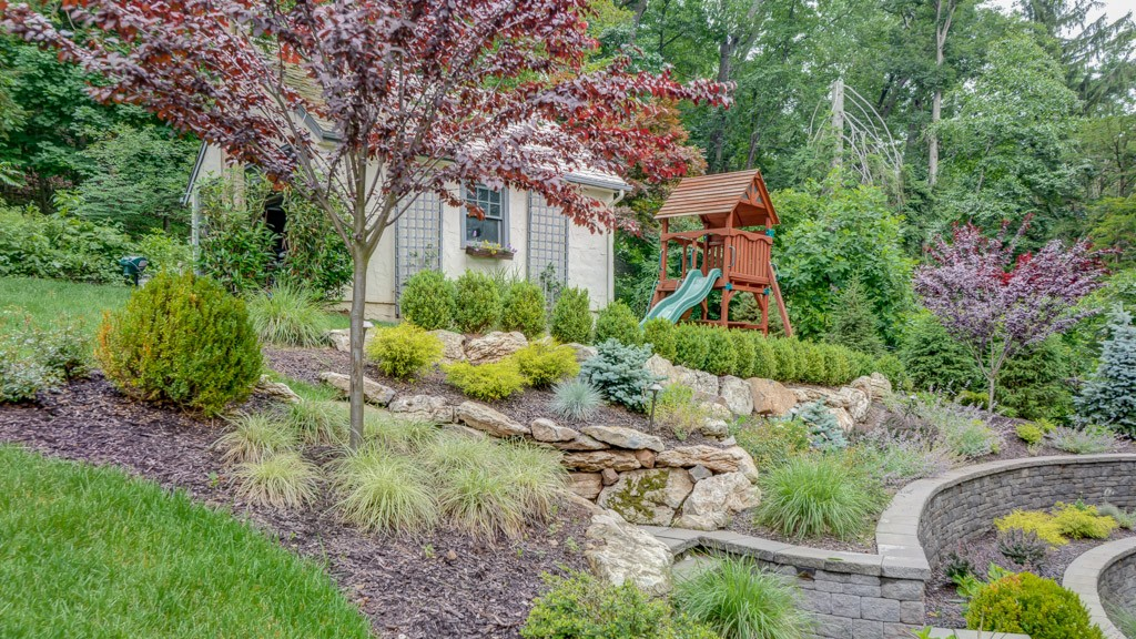 10 Stunning Landscape Ideas for a Sloped Yard | Page 11 of ... |Lot Slope Retaining Wall Footing Design